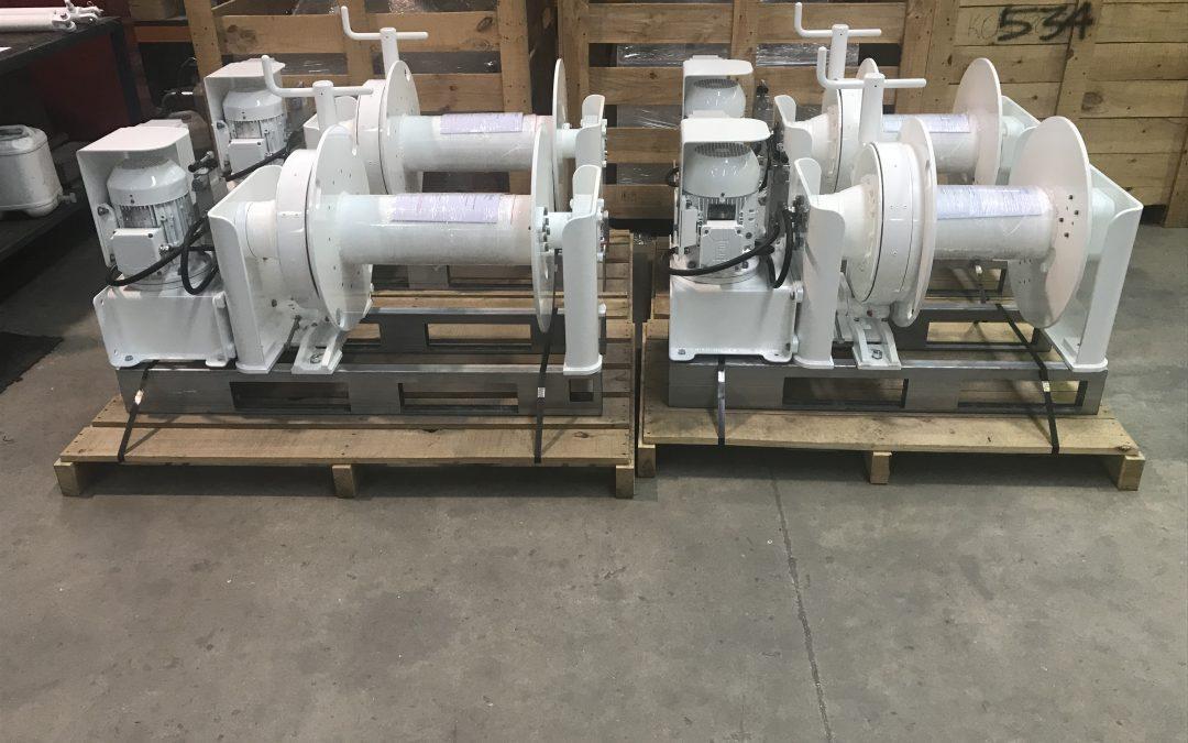 5 x 1500 series windlasses to China